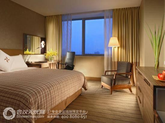 上海大宁福朋喜来登大酒店